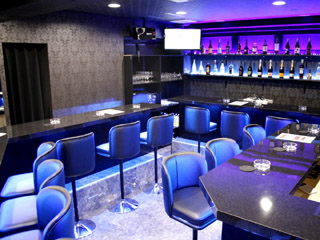 Girl's Bar BEEのアルバイト情報