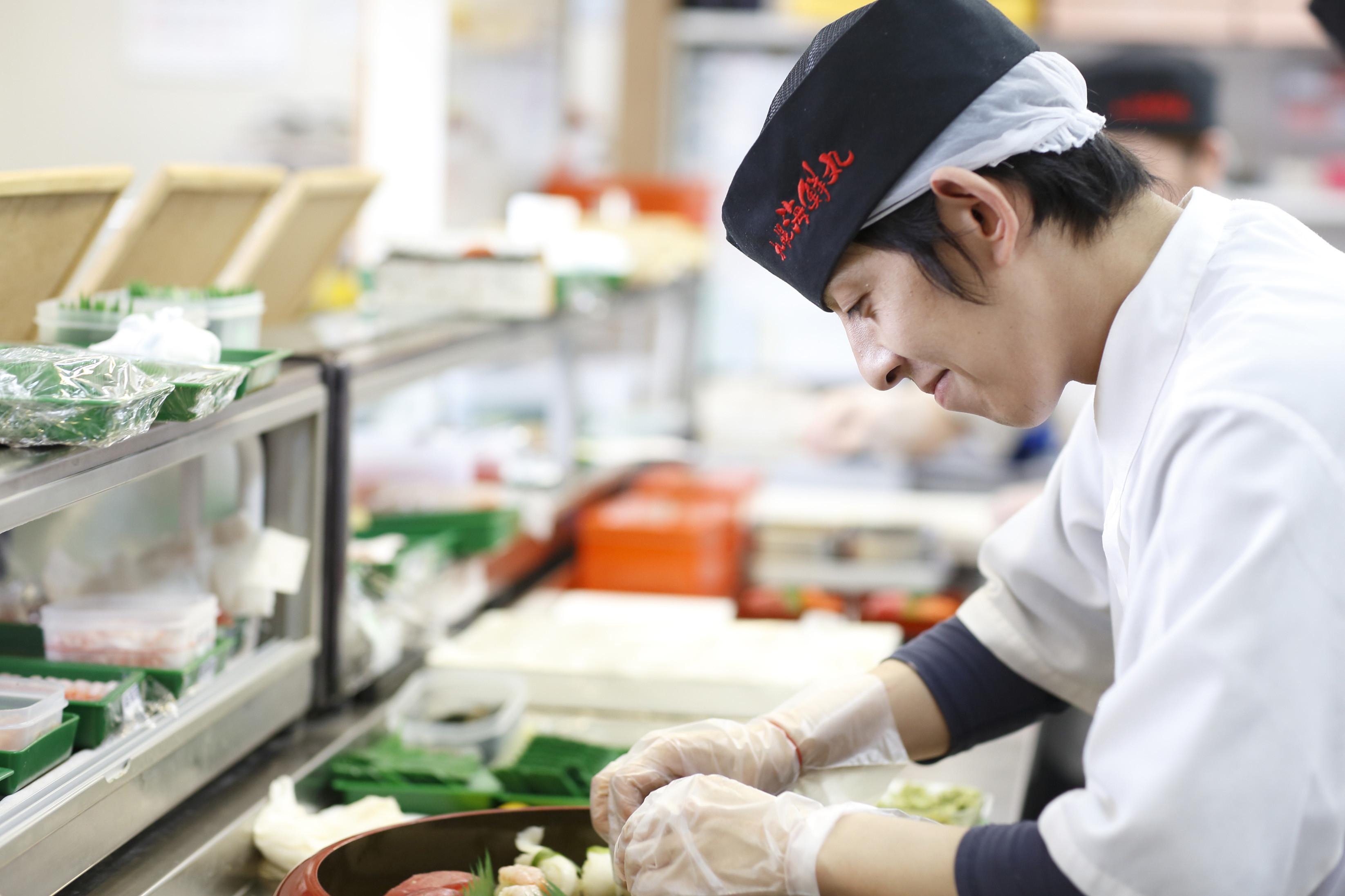 札幌海鮮丸 鶴岡店 キッチンスタッフのアルバイト情報