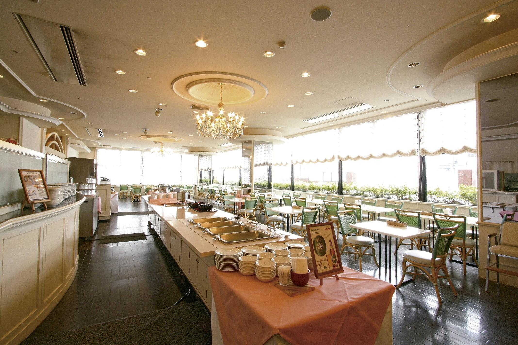 アパホテル〈富山〉 サービス・キッチンスタッフのアルバイト情報