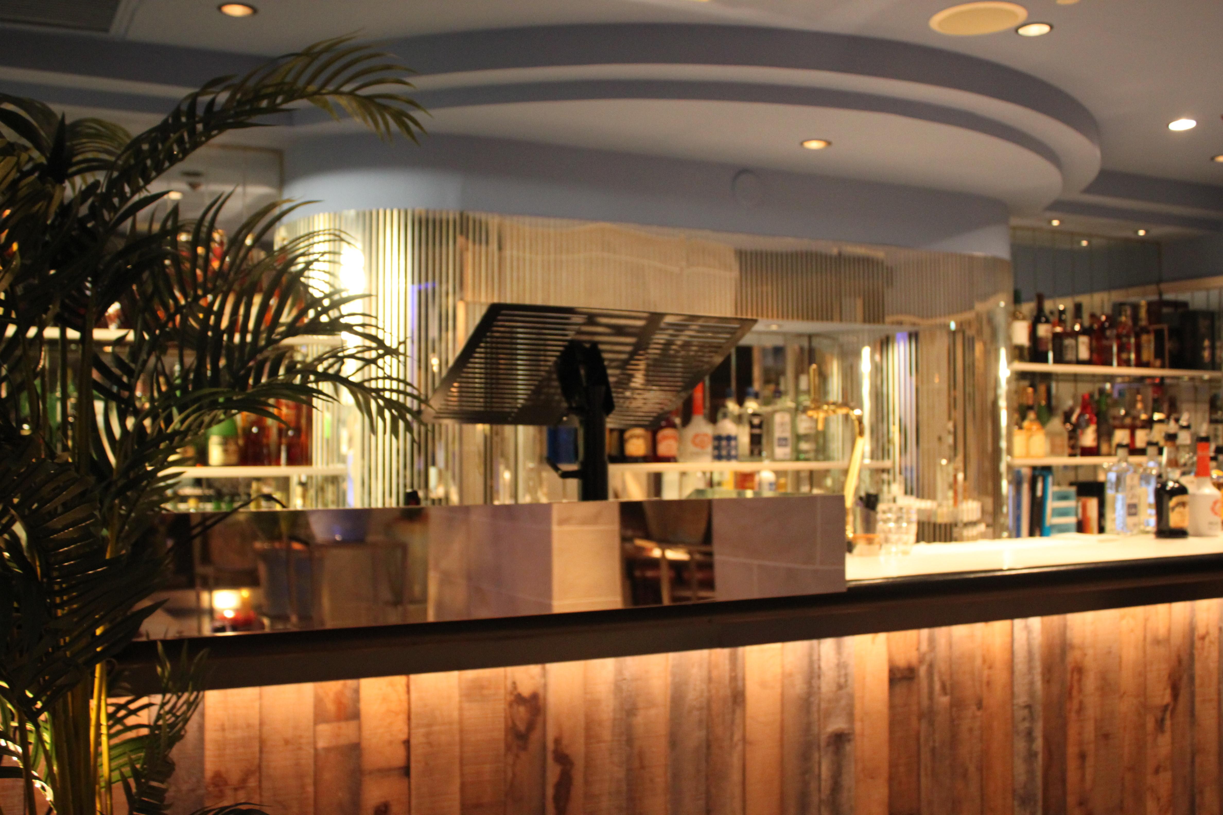 ane cafe NOFF(アネカフェノフ) 北新地 ホールスタッフのアルバイト情報