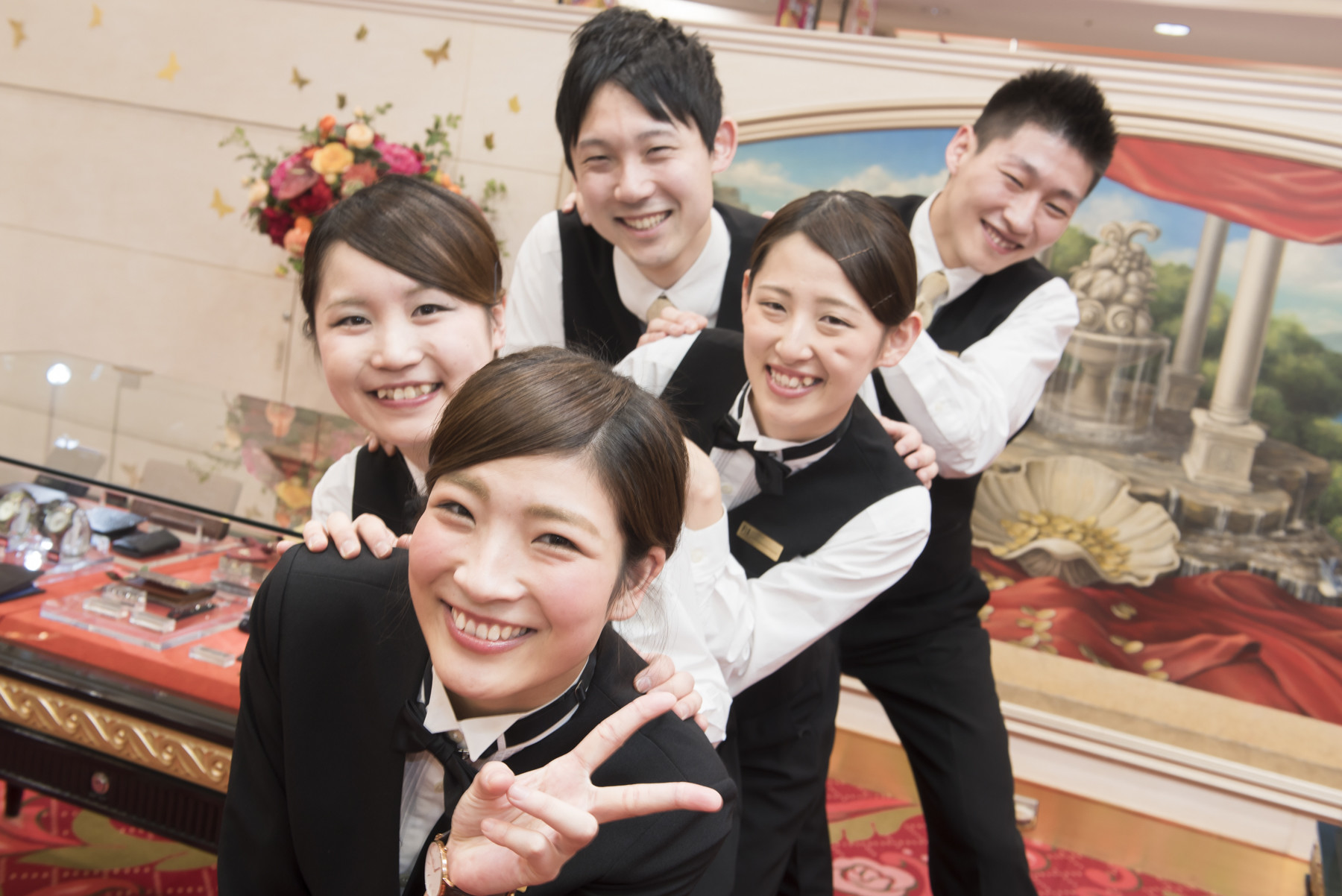 PIA(ピア) 横浜モアーズ店 ホールスタッフのアルバイト情報