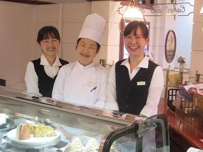 カフェ ウィーン 三越日本橋店 のアルバイト情報