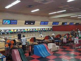 E-BOWL トマト西宮のアルバイト情報