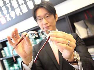 眼鏡市場津北店のアルバイト情報